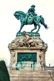 开胃菜的尤金王子骑马雕象在日落的 库存照片
