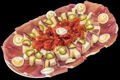 开胃菜美味盘在黑背景隔绝的Meze 库存图片
