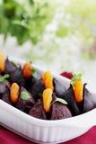 开胃菜被烘烤的甜菜用杏干 库存照片