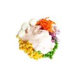 开胃菜食物,与草莓酸奶调味汁isola的健康沙拉 图库摄影