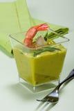 开胃菜鳄梨调味酱捣碎的鳄梨酱大虾 免版税库存照片