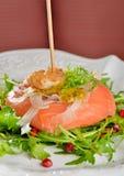 开胃菜,熏制鲑鱼用虾 库存图片