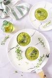 开胃菜:绿色菜soufflе用帕尔马干酪和oli 免版税库存照片