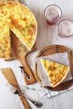开胃菜:鸡和甜椒乳蛋饼和果子啤酒 库存照片