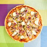 开胃薄饼用肉、无盐干酪乳酪、黄瓜和onio 库存照片