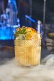 开胃酒鸡尾酒用菠萝和薄菏 图库摄影