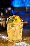 开胃酒鸡尾酒用菠萝和薄菏 库存照片