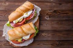 开胃面包用香肠,菜 免版税库存照片