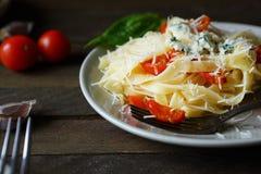 开胃面团用乳酪和蕃茄 库存照片