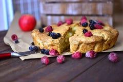 开胃饼用莓果 免版税库存照片
