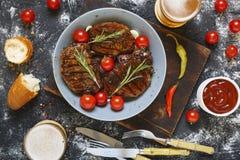 开胃,牛排烤肉,啤酒,野餐,吃,咖啡馆,室外 图库摄影