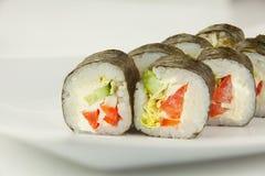 开胃素食主义者滚动与菜在板材在whi 库存照片