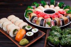 开胃maki和nigiri寿司集合,关闭 寿司餐厅 库存照片