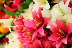 开花另外百合康乃馨花束 免版税图库摄影