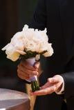 开花婚姻白色的玫瑰 免版税库存照片