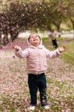 开花樱桃小孩 库存照片