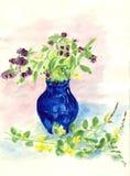 开花淡紫色花瓶 库存例证