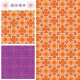 开花瓣8橙色紫色对称无缝的样式 免版税图库摄影