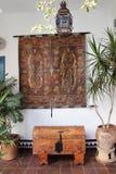 开花葡萄酒庭院露台费斯特的装饰,西班牙,欧洲 库存图片