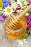 开花蜂蜜 免版税库存图片