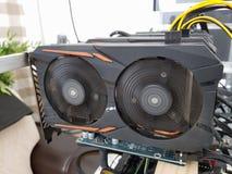 开采的一台强有力的巨型计算机在显示卡 库存照片