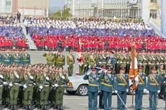 开头军事游行的俄国仪式在每年胜者的 免版税库存照片