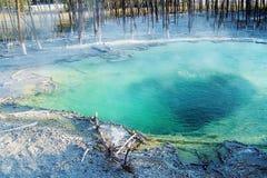 开水和硫磺 免版税库存图片