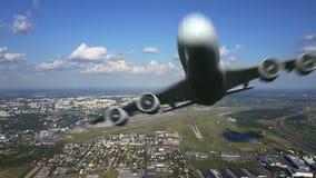 离开从国际机场和飞行由照相机的大商业飞机风景空中射击  3d 免版税库存图片