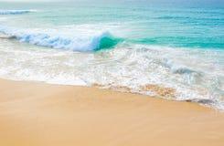 异乎寻常的波浪在佛得角 库存图片