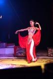 异乎寻常的马戏舞蹈演员 免版税图库摄影