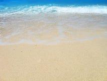 异乎寻常背景的海滩 图库摄影