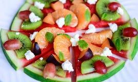 异乎寻常的热带水果西瓜薄饼沙拉 免版税库存图片
