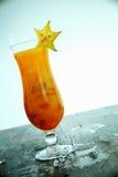 异乎寻常的阳桃鸡尾酒 免版税库存图片