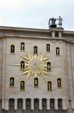 异常布鲁塞尔的时钟 免版税库存照片