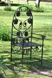 异常的草椅 库存图片