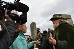 异教徒和督伊德教憎侣在巨石阵标记冬至 免版税图库摄影
