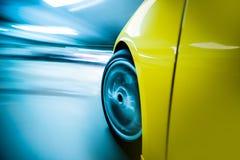 弄脏汽车f重点行动peterburg照片路旁sant场面特殊加速的被定调子的x 免版税库存图片