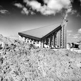 仪式教会礼拜式婚礼 格但斯克Zaspa建筑学 在黑白的艺术性的神色 库存照片