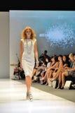 式样陈列从与珠宝题材王国的施华洛世奇设计在奥迪时尚节日2012年 免版税库存图片