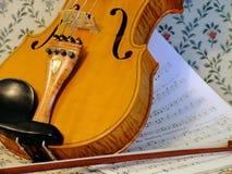 弓小提琴 免版税库存图片