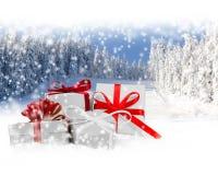 弓把欢乐礼品组图象查出的红色范围白色xxxl装箱 免版税库存图片