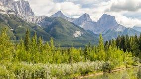 弓河-班夫国家公园-亚伯大-加拿大 库存照片
