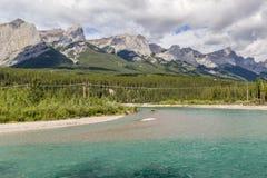 弓河-班夫国家公园-亚伯大-加拿大 免版税库存照片