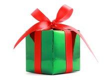 弓礼品被包裹的存在红色 免版税库存照片