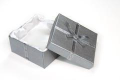 弓配件箱礼品开放丝带银 免版税库存图片