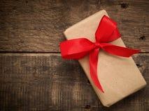 弓配件箱礼品红色 免版税库存照片