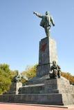 引导对港口-对列宁的纪念碑在塞瓦斯托波尔 库存图片