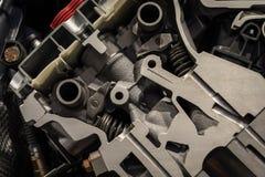 引擎机制在一辆现代汽车的 免版税库存图片