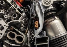 引擎机制在一辆现代汽车的 库存图片