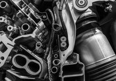 引擎机制在一辆现代汽车的 免版税库存照片